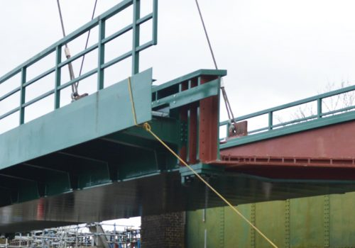 Rochester rail bridge installation maintains momentum on £145m East Kent works cover image